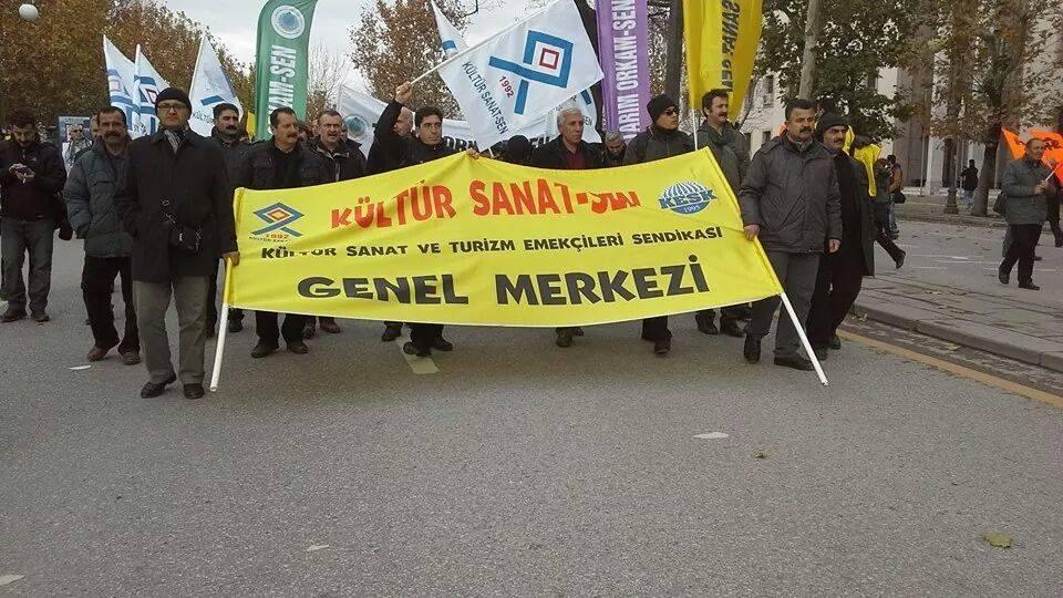 İSTANBUL'DA YAŞANAN PATLAMAYI GERÇEKLEŞTİRENLERİ LANETLİYORUZ !